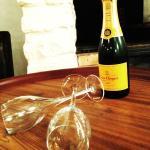 Petite bouteille de champagne Veuve Cliquot spécial Saint Valentin