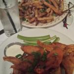 buffalo wings & fries