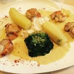 Menu à 32,50€. Soupe de poisson et Saint-Jacques sauce au safran (+dessert), très bon rapport qu
