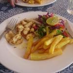 Calamari, salad and chips 👌
