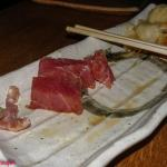 Links unten : zähes Bindegewebe vom Tunfisch ; rechts oben : Tunfisch ;