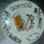 """Gâteau aux Fruits """"Joyeux Anniversaire"""" ."""