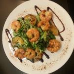 Garnelen auf Salat