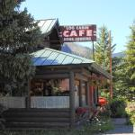 Log Cabin Cafe Bed and Breakfast