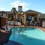 Photo de Americas Best Value Inn & Suites-Baytown/San Jacinto Mall