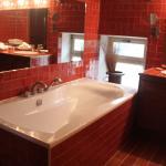 salle de bains de la suite pierrouret