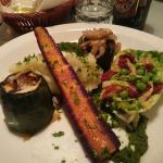 Hovedret: squash fyldt m. svampe og løg, grønkålspuré, kartoffelmos og ærter/soltørrede tomater