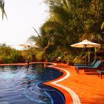 piscine de l'hôtel voisin, accessible si vous consommez!