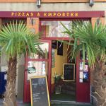 Je suis le propriétaire de la Pizzaiola et je souhaite mettre en valeur le restaurant car je tro