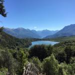 Vista del lago desde el camino