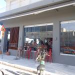 De Facto Cafe