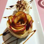 """""""Rosa"""" de poma amb melmelada postre del menu de dijous passat."""