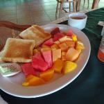 Colazione continentale con frutta deliziosa