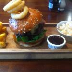 Stilton & Bacon burger... I've never eaten a burger with a knife and fork, but was too big haha