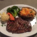 Coyote's Steakhouse and Lounge resmi