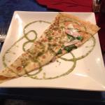 La Dinde (turkey, aioli, cheese, spinach)