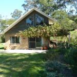 Karibu Cottage at pub Hill Farm