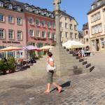 Pod Krzyżem Sprawiedliwości na Rynku w Echternach