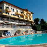 piscina hotel la Bussola