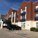 Photo de Comfort Suites Las Colinas Center