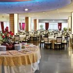 Atmosfera chic e conviviale nelle due Sale e una cucina creativa, sana e naturale .