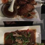 Ente mit Kanton Soße und Rindfleisch mit  Peperoni und Zwiebeln