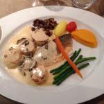 *Filet de bar et coquilles Saint-Jacques rôtis, Beurre blanc truffé