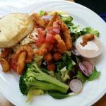Sea garden salad with fried calamari