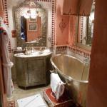 Karama bathroom