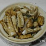 tofu with seafood in clay pot