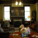 Churchill Manor Bed and Breakfast Photo