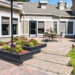 Ramada Hotel & Suites Savannah Midtown