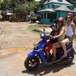 ... und es gibt blaue Insel-scooter...