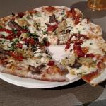 Sundried Tomato and Goat's Cheese Flatbread
