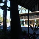 Blick von unserem Ausgang in Richtung Poolbereich.