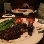Foto de The Keg SteakHouse Bar
