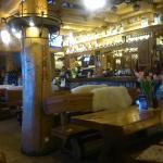 wnętrze Karczmy Wrazidlok, widok na bar