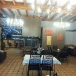 Salle du Restaurant avec le bar au fond