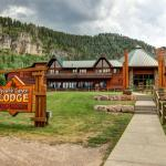 Spearfish Canyon Lodge in Summer