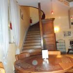bel escalier pour monter à l'étage