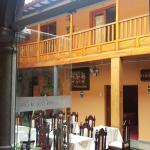 Photo de Hotel Rojas Inn