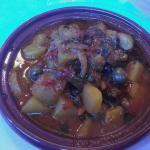 tajine d'agadir patates olives mon p j'ai demandé un accompagnement oignons doux raisins: un rég