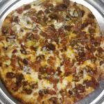 Seve-N-Dots Publik Pizza Place