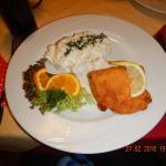 Kylling gordon bleu med kartoffelsalat