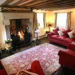 Church Farm Cottage - living room