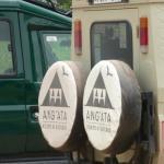 notre voiture conduite par le meilleur des guides Jackson Mekurieki