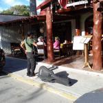 live entertainment hotel el moro - street entertainment mornings puerto morelos ave gomez
