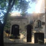 Frente de la Posada. Conserva su fachada colonial.