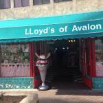 Foto de Lloyd's of Avalon Confectionary
