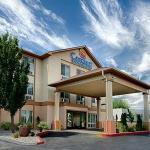 Comfort Inn & Suites Airport Resmi
